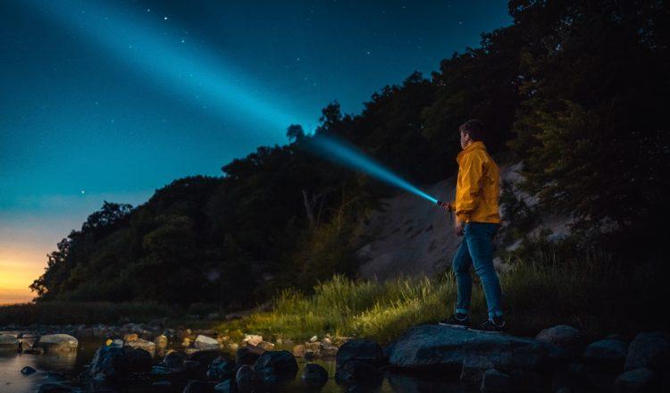 Les 7 meilleures lampes de poche de camping - Guide d'achat 2019 1